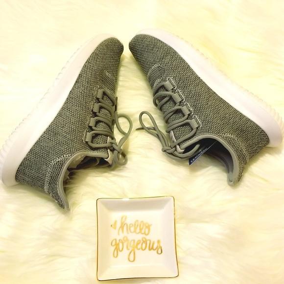 Le adidas tubulare ombra nelle donne poshmark